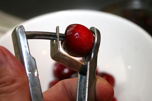 Cherry-Pitter